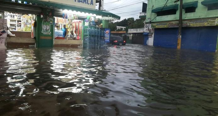 Residentes contabilizan daños por lluvias en el sector Los Platanito