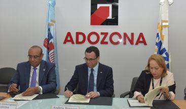 Minerd firma alianza con zonas francas para mejorar politécnicos