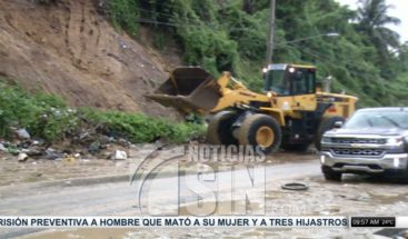 Deslizamiento de tierra afecta Avenida 6 de Noviembre