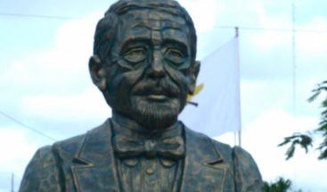 Se reúnen para que cada busto de Duarte corresponda con su figura real