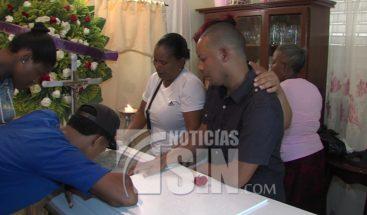 Sepultan restos de joven ultimado para robarle celular en Santo Domingo Este
