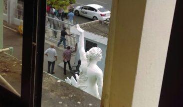 Desmontan vigilia frente al CEA; demandan cesen desalojos en Los Alcarrizos