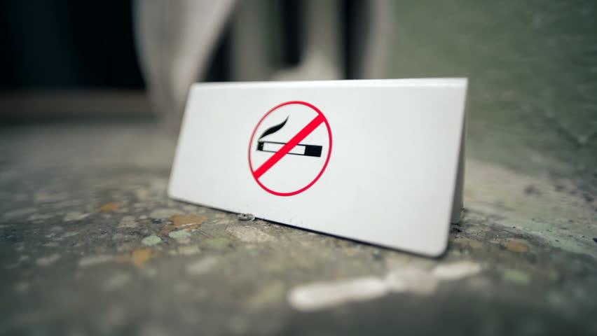 EEUU prohíbe fumar en viviendas subsidiadas y edificios administrativos