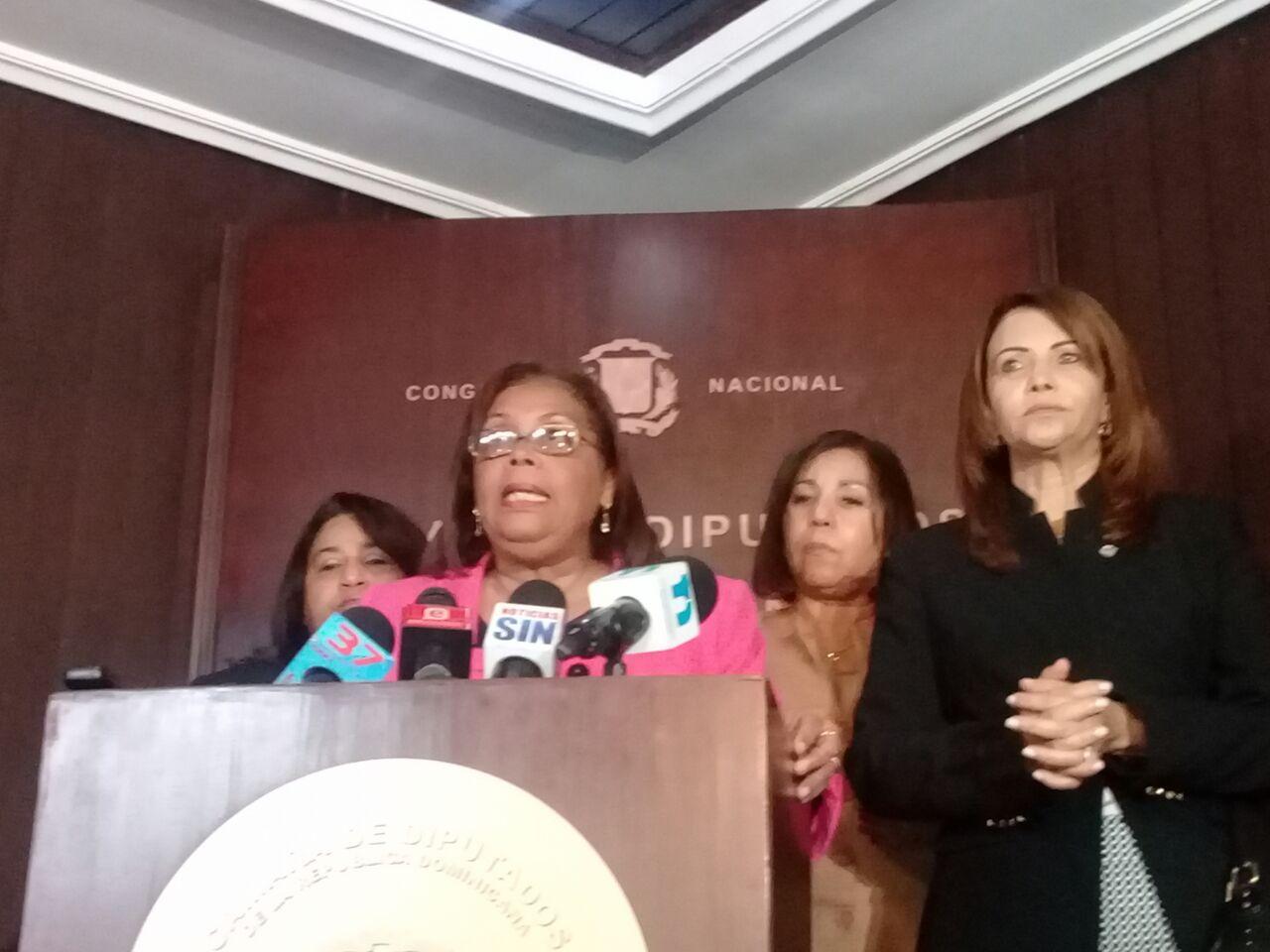 Legisladoras solicitan apropiación de Ley de Partidos