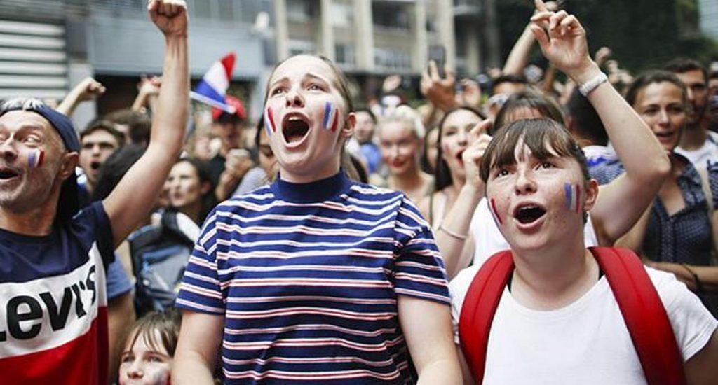 Francesas denuncian en Twitter abuso sexual durante la final del Mundial