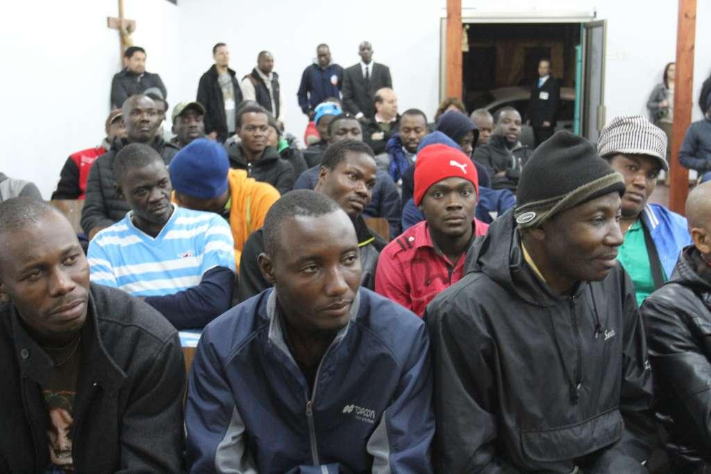 Cientos de haitianos afrontan tediosa cuenta atrás para ser legales en Chile