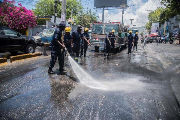 Clase política continúa contactos en Haití para frenar crisis tras disturbios