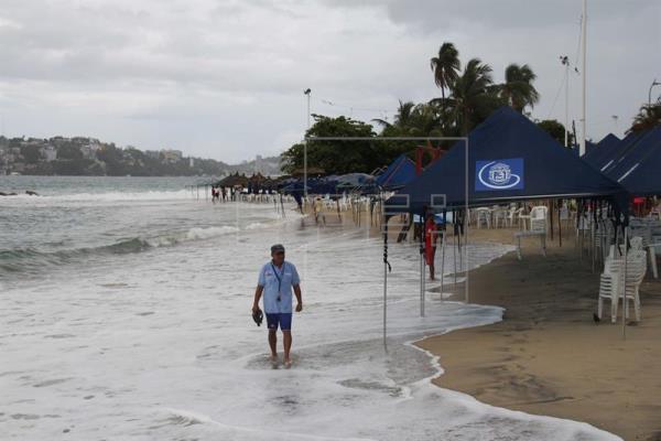 Se forma la tormenta Fabio en el Pacífico con potencial de llegar a huracán