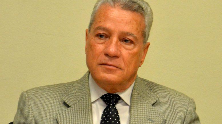 Ministro Industria y Comercio dice alza de los combustibles en RD no depende de él