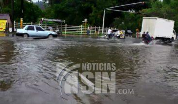 COE reporta mayores daños en SD, DN y San Cristóbal; una persona herida