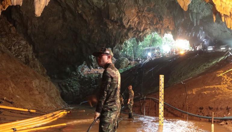 Un herido grave y tres leves durante el rescate de atrapados en Tailandia