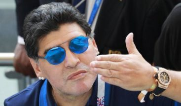 Maradona se ofrece a dirigir Argentina gratis