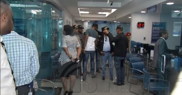 Dictan un año de prisión preventiva a dos implicados por asalto al Banco Popular
