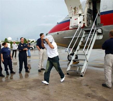 EE.UU. repatría grupo de 47 expresidiarios dominicanos