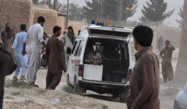 Suben a 128 los muertos en un atentado contra un acto electoral en Pakistán