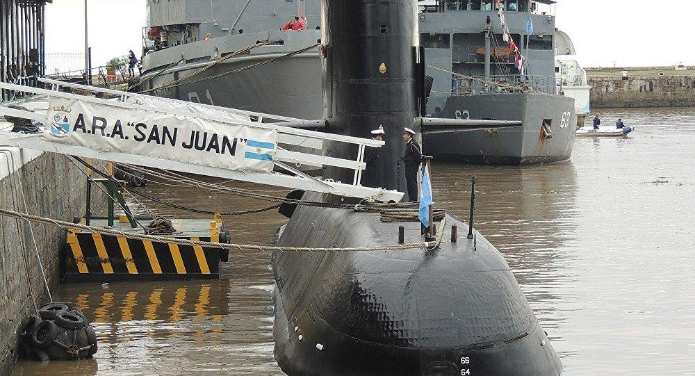 Dolor y abandono marcan la espera de familiares del submarino ARA San Juan