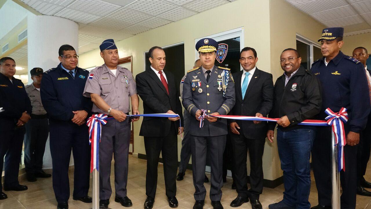 Policía Nacional inaugura destacamento en aeropuerto La Isabela
