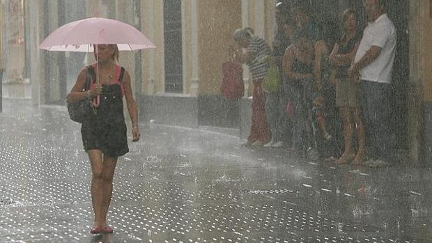CLIMA - Descontinúan alerta por disminución de los aguaceros