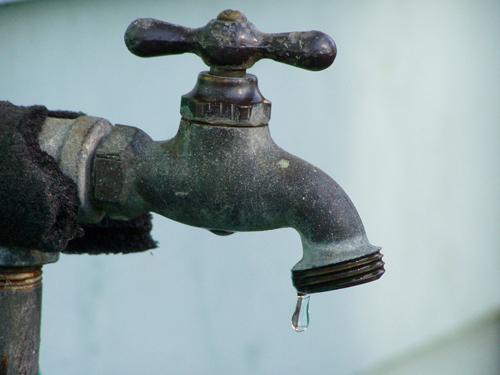 Residentes en La Bombita de Azua tienen más de 5 meses sin agua