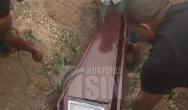 Sepultan restos joven de 15 años muerta a manos de su pareja de 17