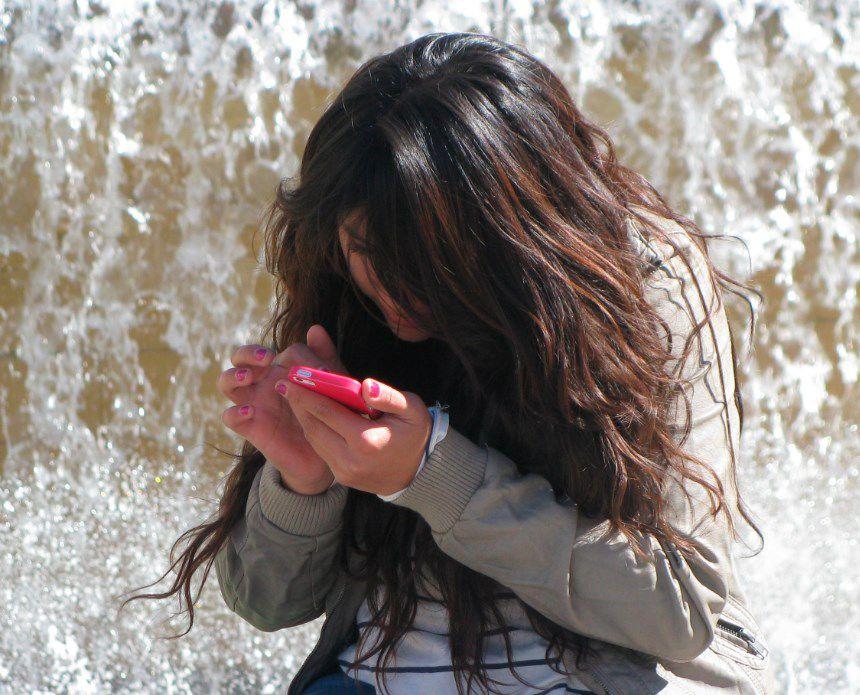 Educación, energía y agua serán accesibles por uso masivo de teléfonos