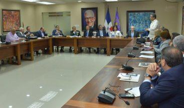 Comité Político ratifica suspensión de Víctor Díaz Rúa y Félix Bautista