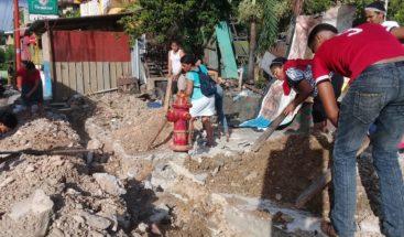 Moradores de Arroyo Hondo protestan en contra de desalojo a comerciantes
