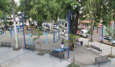 Alcaldía del DN remoza parque Braulio Álvarez de Villa Consuelo
