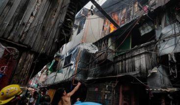 Mueren cinco hermanos en un incendio en un barrio pobre de Manila