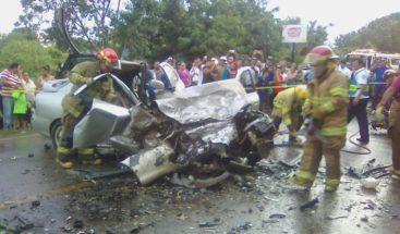 Al menos 4 muertos y 12 heridos deja choque de vehículos en Perú