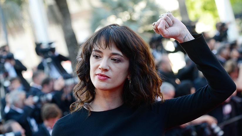 Actriz denunció a Weinstein compró el silencio de un actor del que abuso