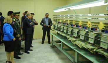 Presidente Medina entrega industria militar en Bonao