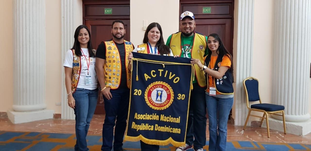 Asociación de Clubes Activo 20-30 Juramenta nueva directiva