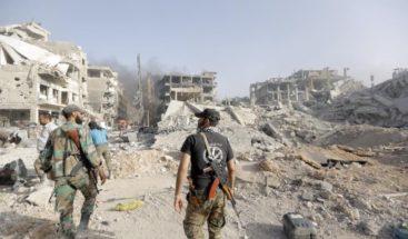 Aumenta a 69 el número de muertos por explosión en un edificio en Siria