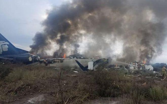 Once ocupantes del avión accidentado en México continúan hospitalizados