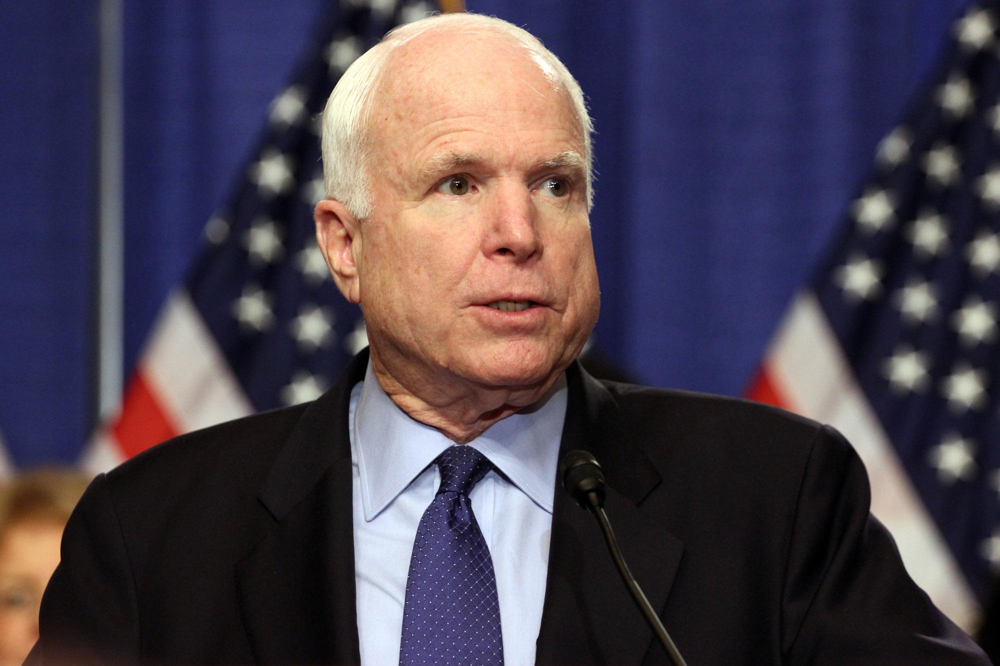 McCain homenajeado el viernes en el Capitolio y enterrado el domingo