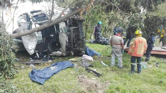 Cuatro muertos y tres heridos en accidente de carretera en Ecuador
