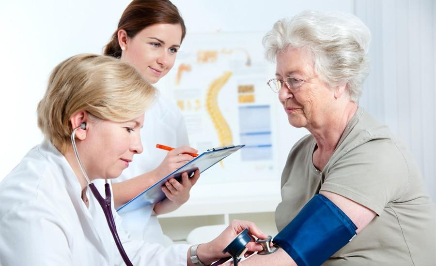 Adultos enfrentan retos para adherirse al tratamiento de diabetes