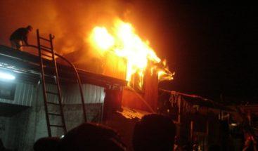 Niño de 4 años muere calcinado en un incendio en pensión de Santiago