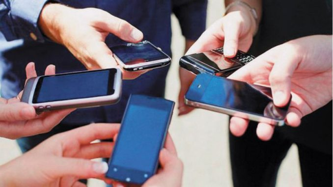 Cuba prueba gratis 3G para móviles sin fecha oficial inicio del servicio