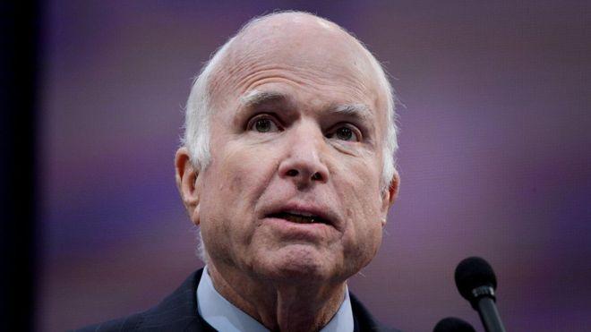 Muere el senador John McCain, rival de Obama en 2008 y crítico de Trump