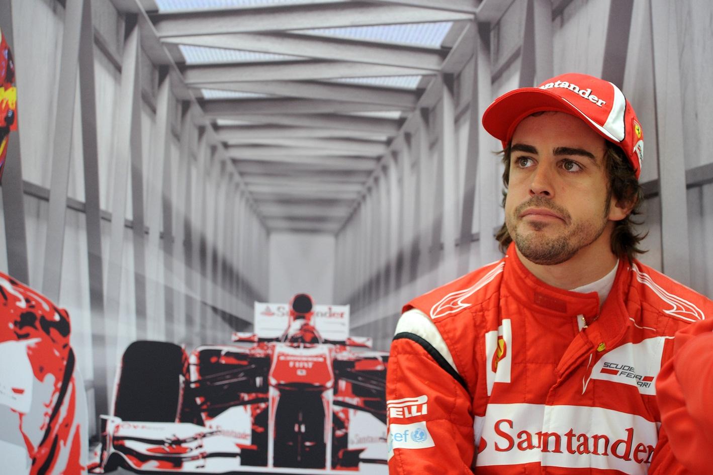 Piloto español Fernando Alonso anunció su retiro de la Fórmula 1