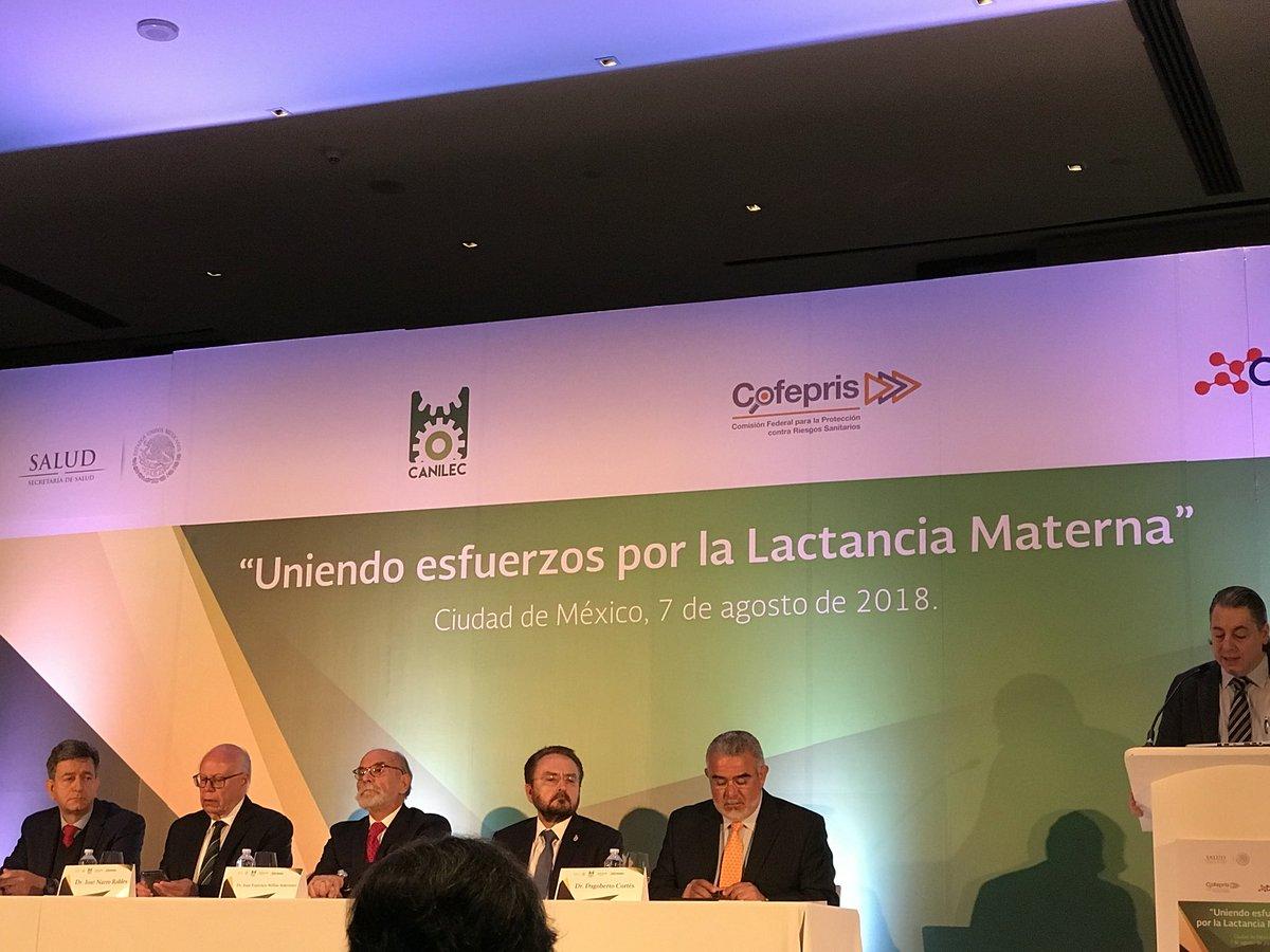 En México celebran foro sobre lactancia sin mujeres en mesa central