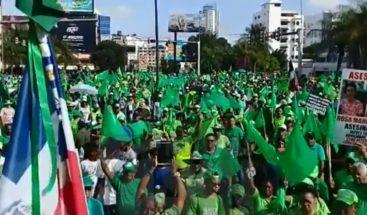 Manifestantes se preparan para Marcha del Millón contra la corrupción