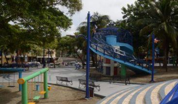 Alcaldía del DN entrega parque remozado en el sector Los Prados