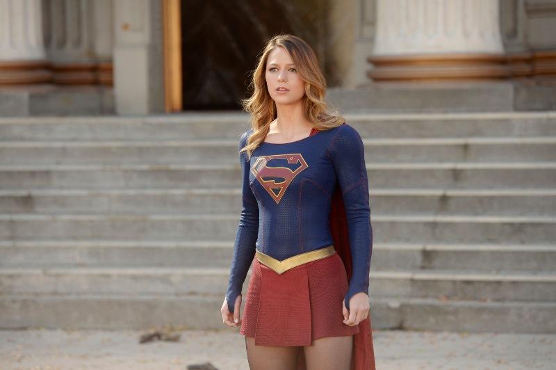 Warner Bros. planea una película centrada en Supergirl