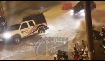 Lluvias provocan derrumbes de puentes y casas en Colombia