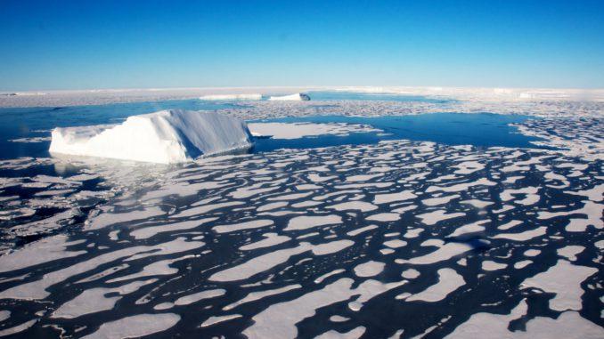 La temperatura del Pacífico repercuta en rápido calentamiento del Ártico