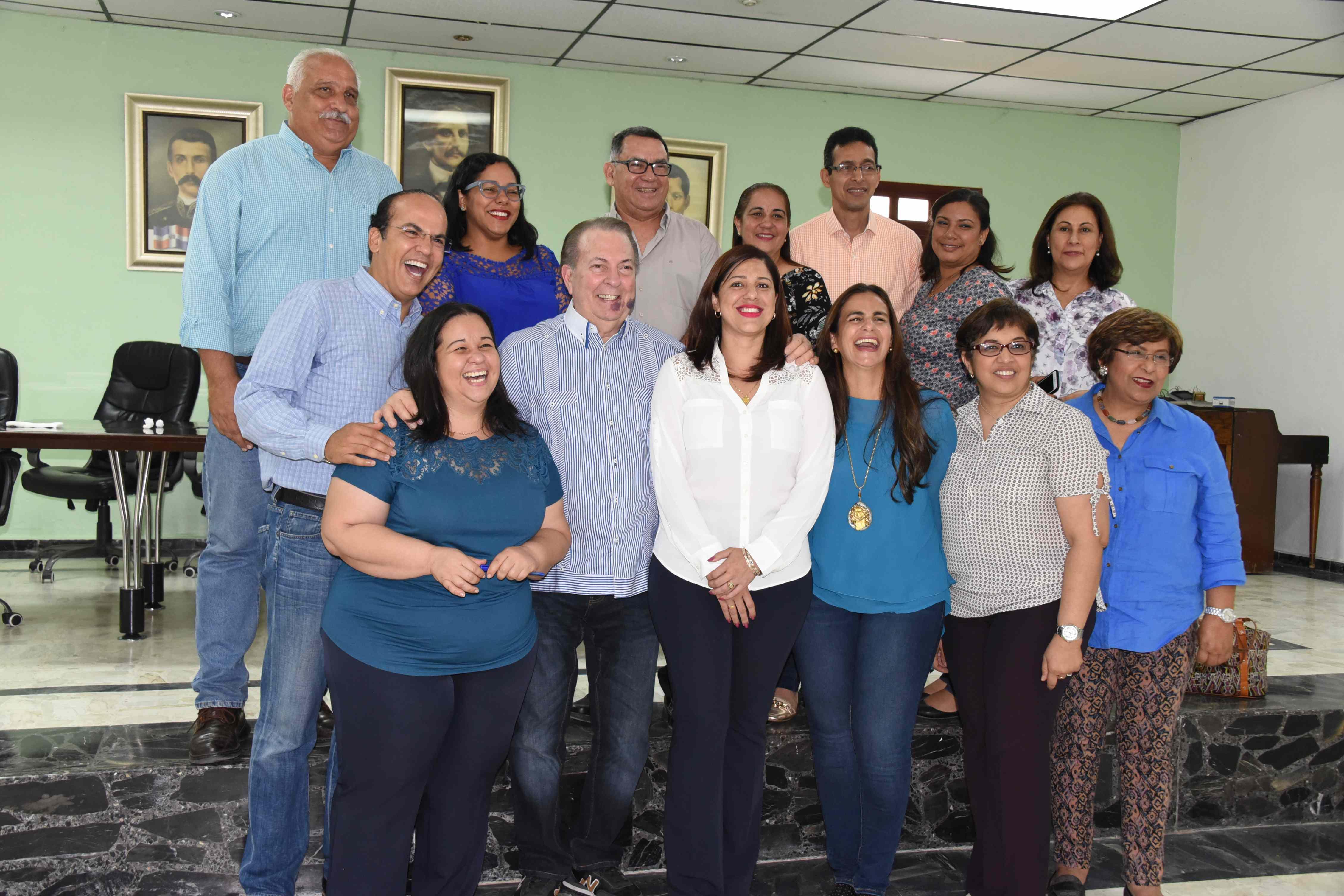 """Cultura:""""Gobierno designa 300 profesores para escuelas de Bellas Artes"""""""
