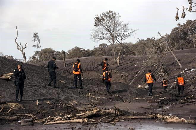 Suman 165 fallecidos por tragedia de volcán de Fuego de Guatemala